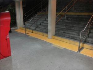 piso_podotactil_escaleras